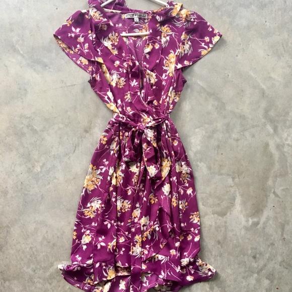 Dresses & Skirts - Floral purple dress